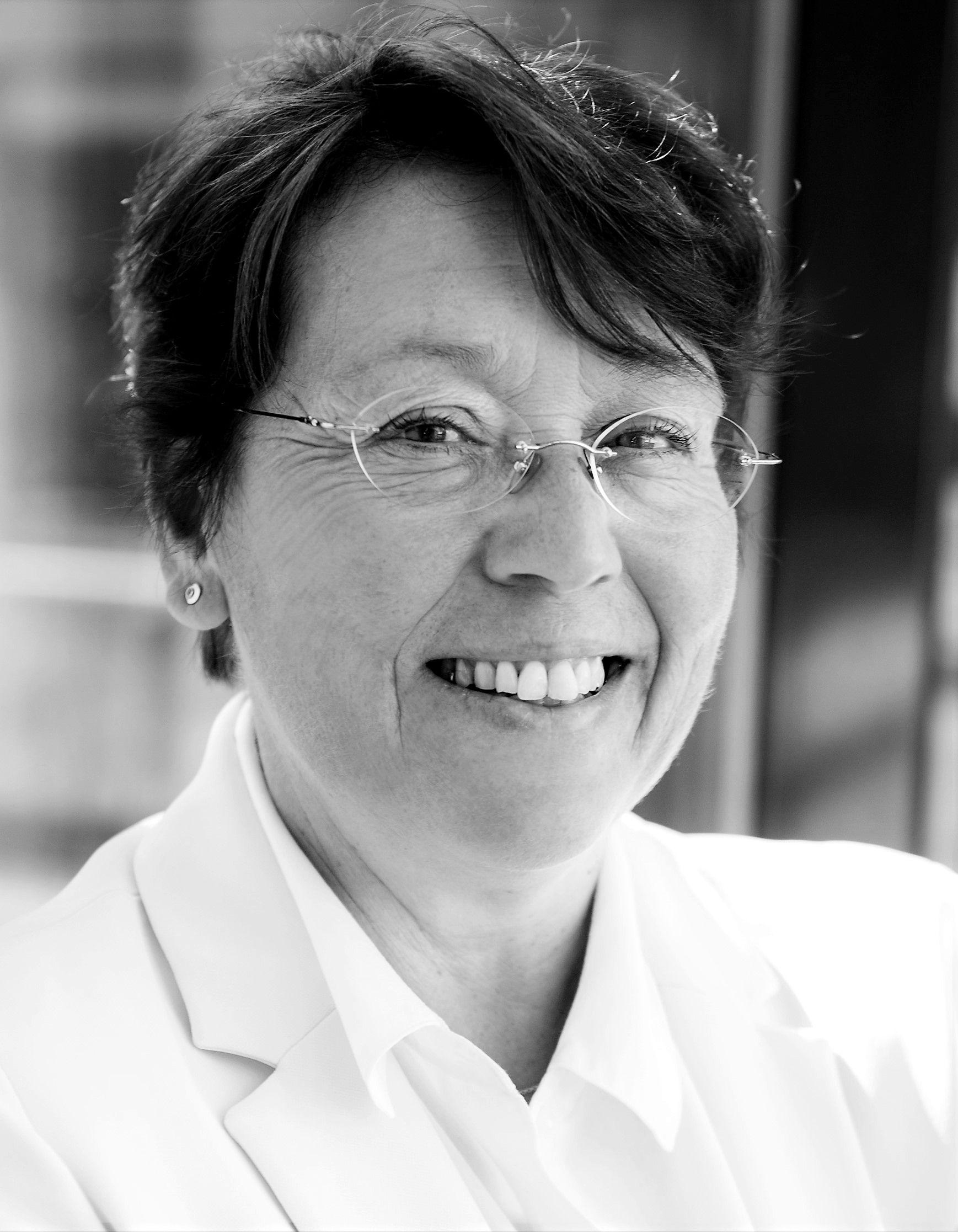 Dr. Andrea Jelinek