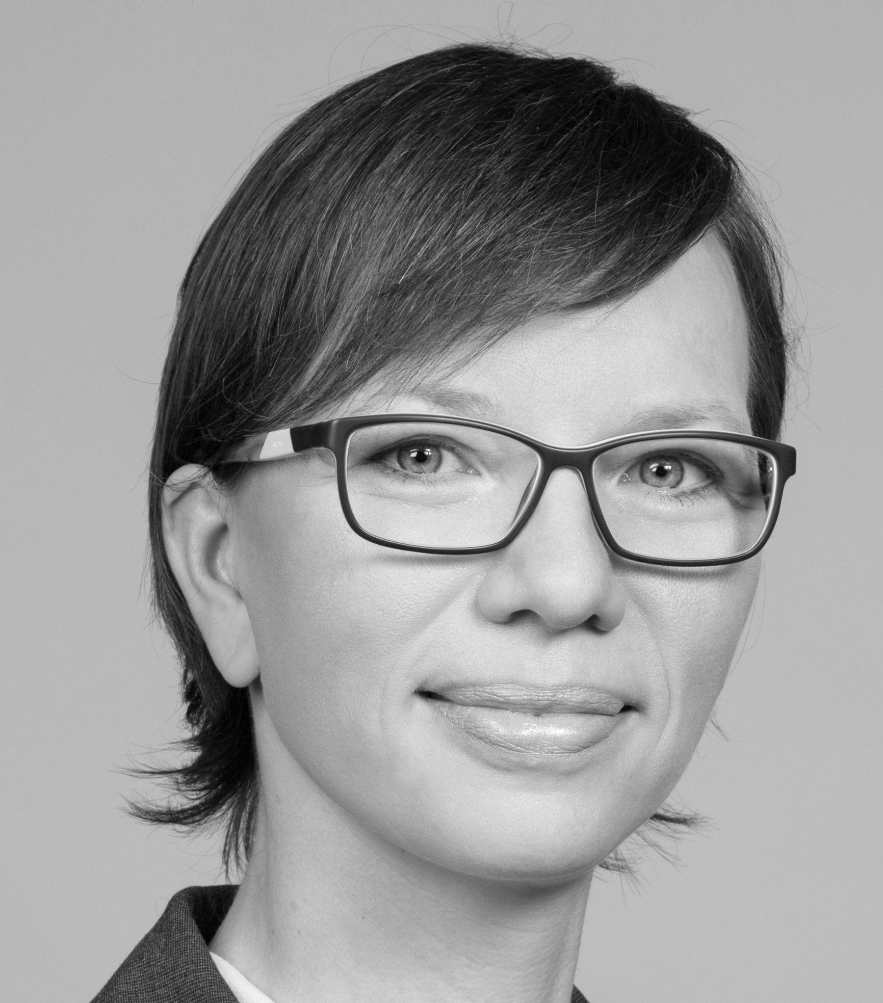 Dr. Astrid Jung